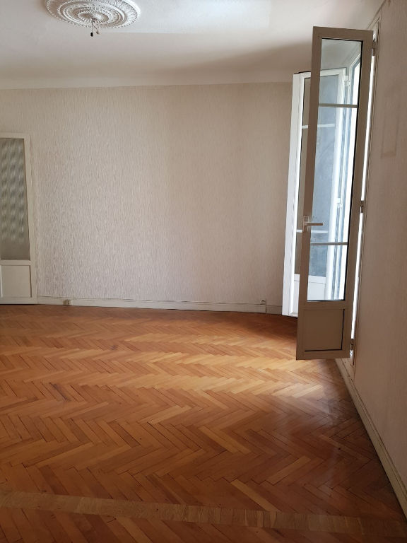appartement-nice-3-piece-s-90-m2-a-renover