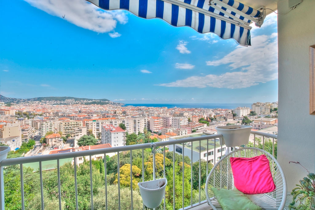 vente-nice-colline-appartement-3-pieces-vue-mer